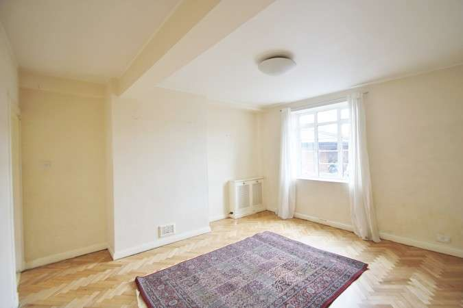 2 Bedrooms Flat for sale in Latymer Court, Hammersmith Road, London