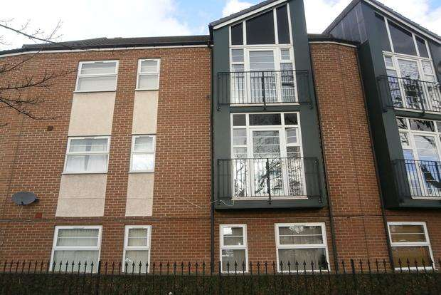 2 Bedrooms Flat for sale in Montvale Gardens, off Anstey Lane, Leicester, LE4