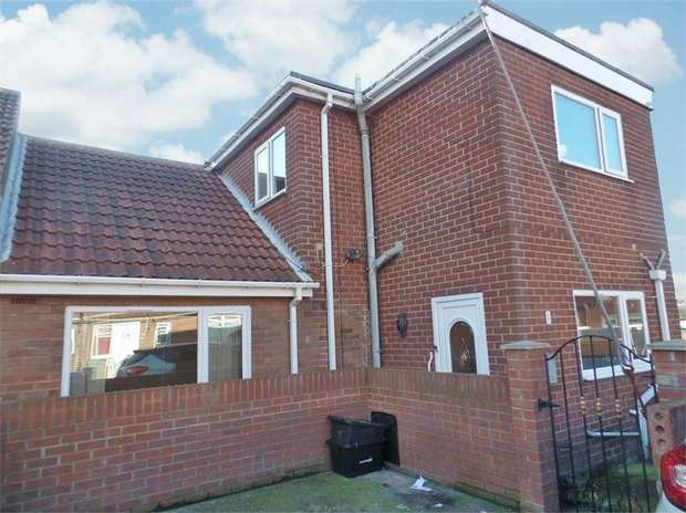 3 Bedrooms Terraced Bungalow for sale in Maureen Avenue, Blackhall Colliery, Hartlepool, Durham