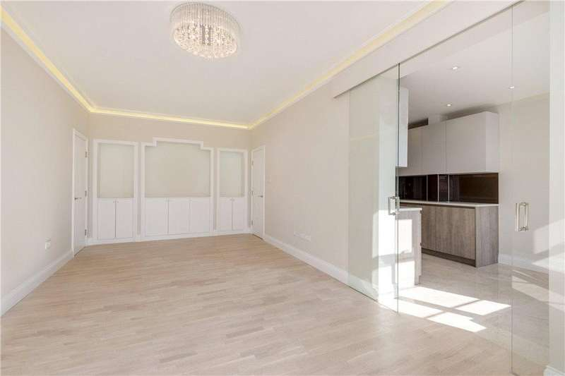 2 Bedrooms Apartment Flat for sale in William Court, 6 Hall Road, London, NW8