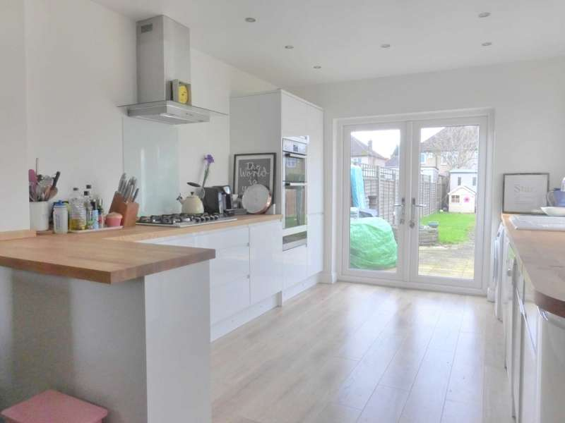 3 Bedrooms Semi Detached House for sale in Bushey Mill Lane, Watford