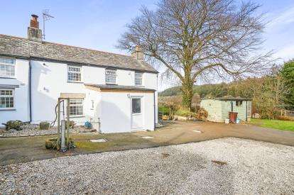 3 Bedrooms Semi Detached House for sale in Liskeard, Cornwall, Plymouth