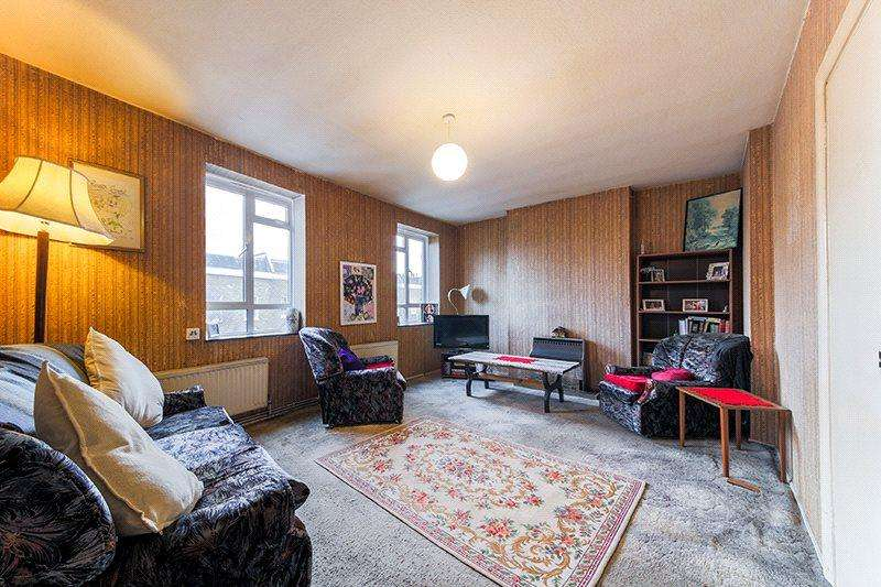 2 Bedrooms Flat for sale in Sanders House, Great Percy Street, London, WC1X