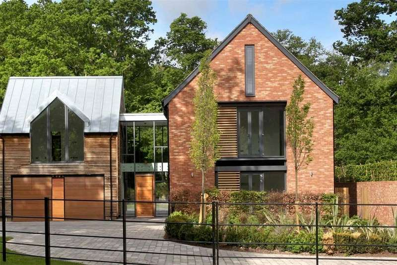 5 Bedrooms Residential Development Commercial for sale in Brook Barn, Longcross Road, Longcross, Chertsey, KT16
