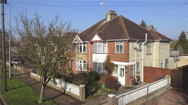 3 Bedrooms Semi Detached House for sale in Gilbert Road, Cambridge, CB4