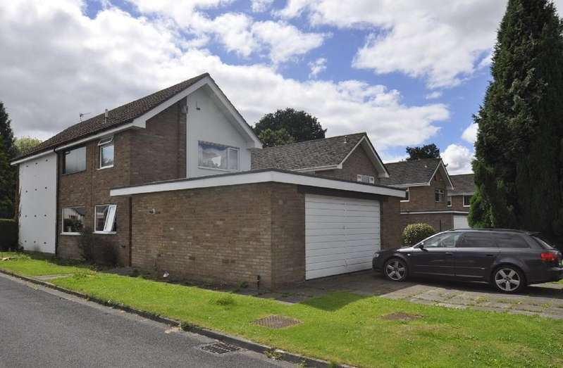 4 Bedrooms Detached House for sale in Dairyground Road, Bramhall