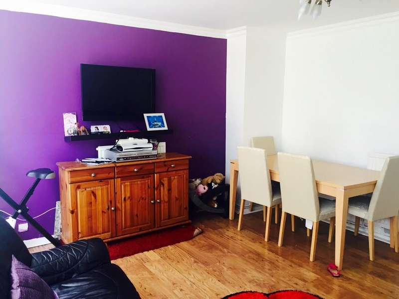 3 Bedrooms Apartment Flat for sale in Spackmans Way, Slough
