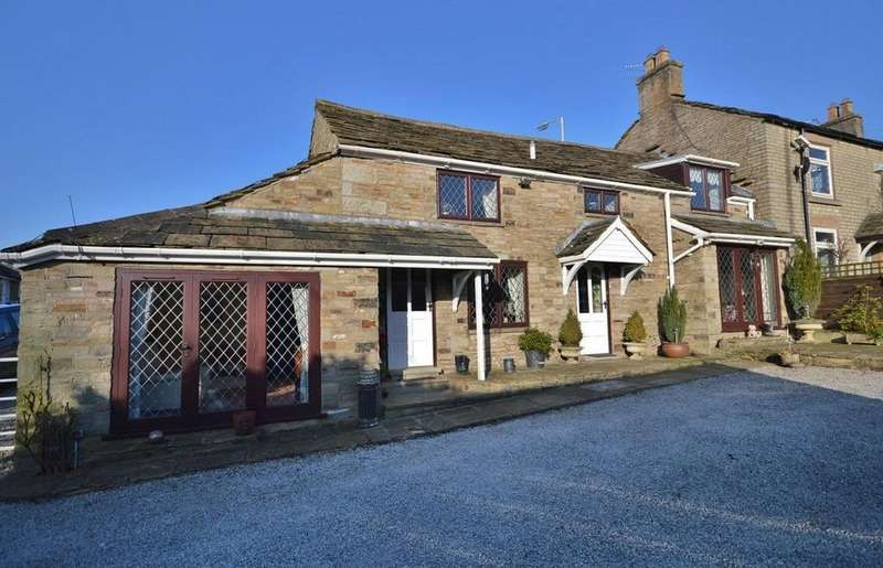 3 Bedrooms Semi Detached House for sale in Longhurst Lane, Mellor