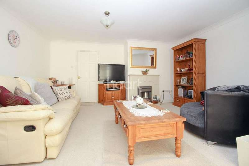 3 Bedrooms Detached House for sale in Main Road, Rollesby