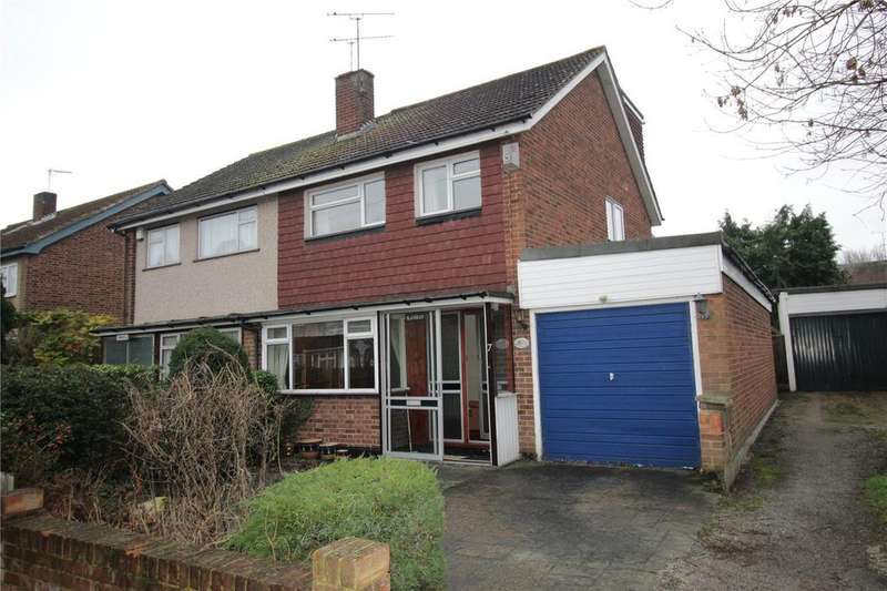 3 Bedrooms Semi Detached House for sale in Compton Walk, Laindon, Essex, SS15