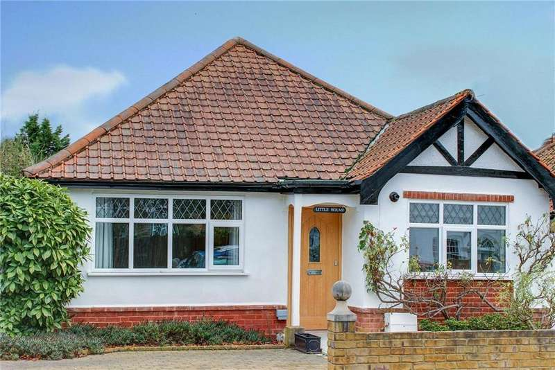 2 Bedrooms Bungalow for sale in Church Lane, Thames Ditton, Surrey, KT7