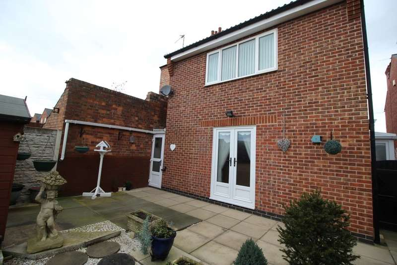 3 Bedrooms Detached House for sale in Repton Road, Nottingham, NG6
