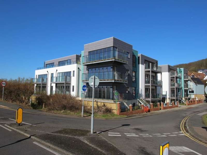 2 Bedrooms Flat for sale in Seabrook Road, Hythe, CT21