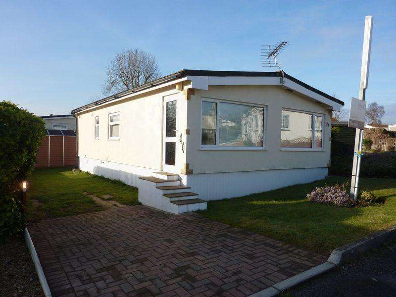 2 Bedrooms Detached House for sale in Woodlands Park, Exeter