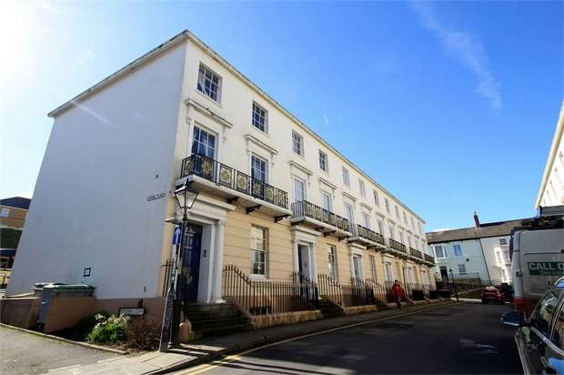 2 Bedrooms Maisonette Flat for sale in Victoria Place, NEWPORT