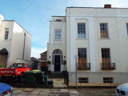 1 Bedroom Flat for sale in Priory Street, Cheltenham, Gloucestershire