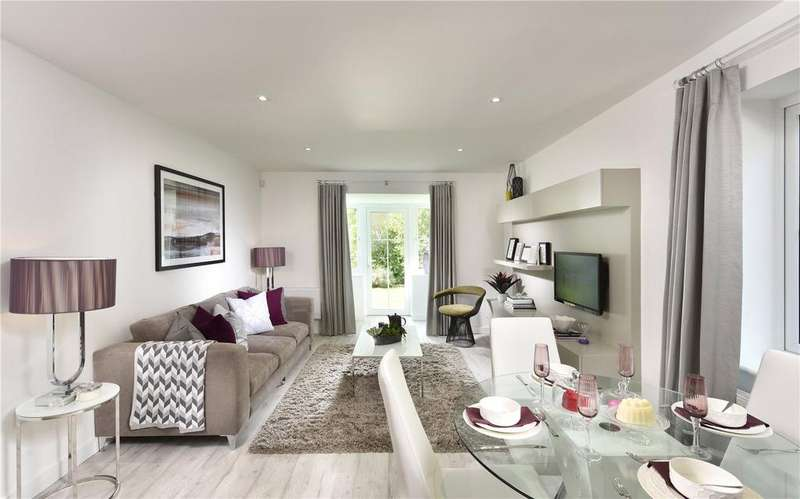 2 Bedrooms Flat for sale in Woodland Avenue, Ryewood, Dunton Green, Sevenoaks, TN14