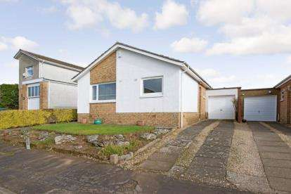 3 Bedrooms Bungalow for sale in Galston Avenue, Newton Mearns