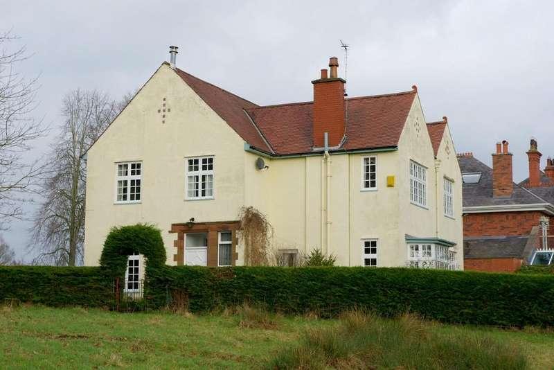 4 Bedrooms Detached House for sale in Brampton Road