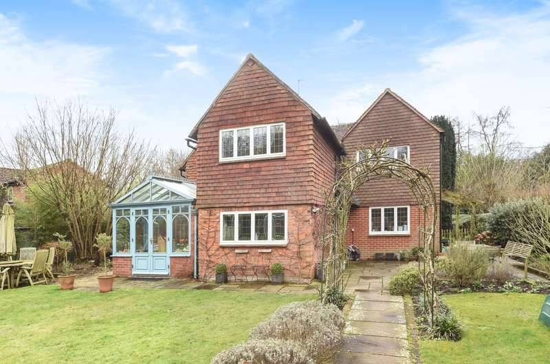5 Bedrooms Detached House for sale in Bramley