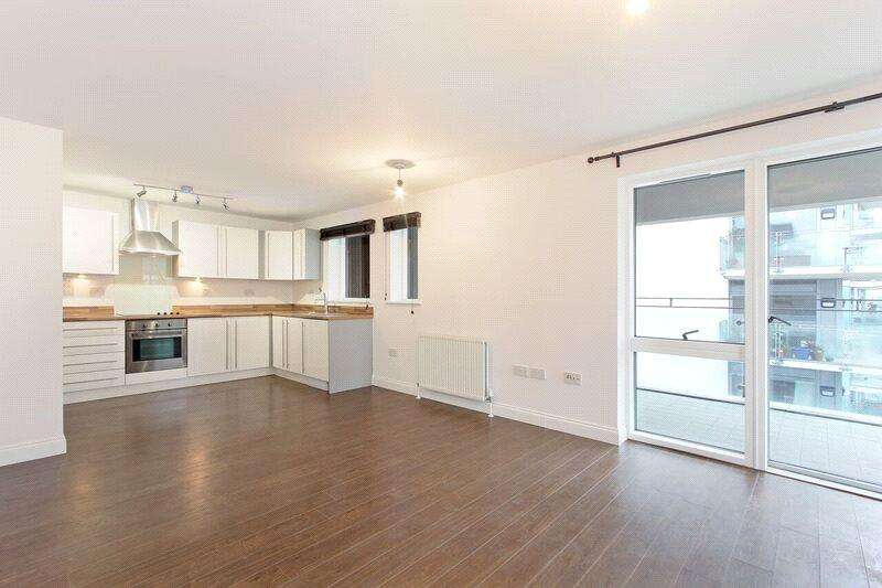 2 Bedrooms Flat for sale in Prospect House, Sun Passage, London, SE16