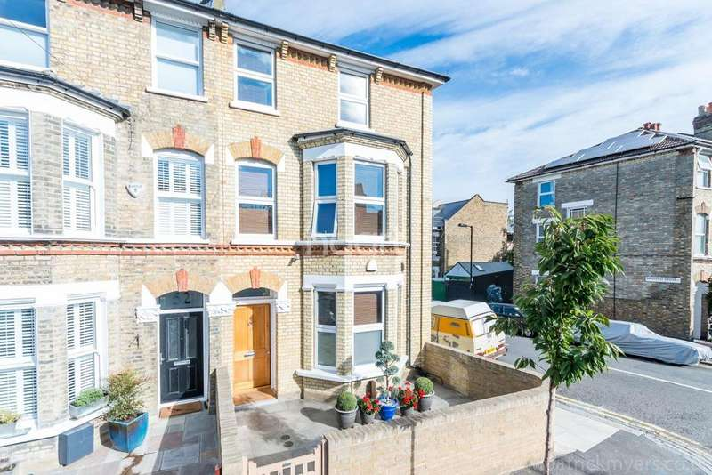 4 Bedrooms End Of Terrace House for sale in Tyrrell Road, East Dulwich, London, SE22