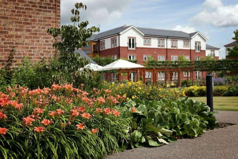 2 Bedrooms Flat for sale in Boughton Hall, Filkins Lane, Chester,