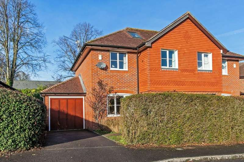 4 Bedrooms Semi Detached House for sale in The Hall Way, Littleton, SO22