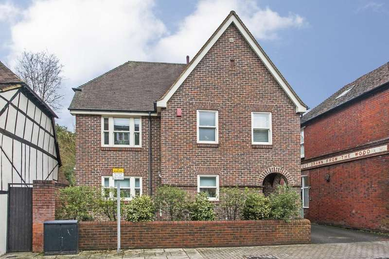 4 Bedrooms Detached House for sale in St. Cross Road, Winchester, SO23