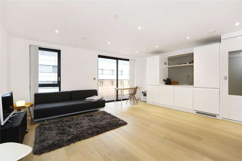 Studio Flat for sale in Kensington Apartments, 11 Commercial Street, London, E1