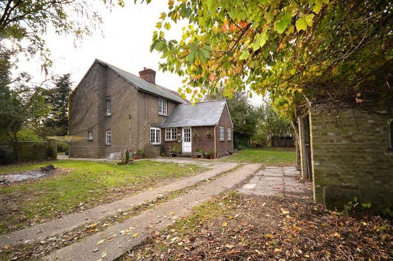 4 Bedrooms Cottage House for sale in Marshes, Burnham-On-Crouch, Essex, CM0
