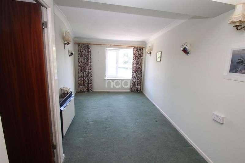 1 Bedroom Flat for sale in Stratheden Court, Market Street,