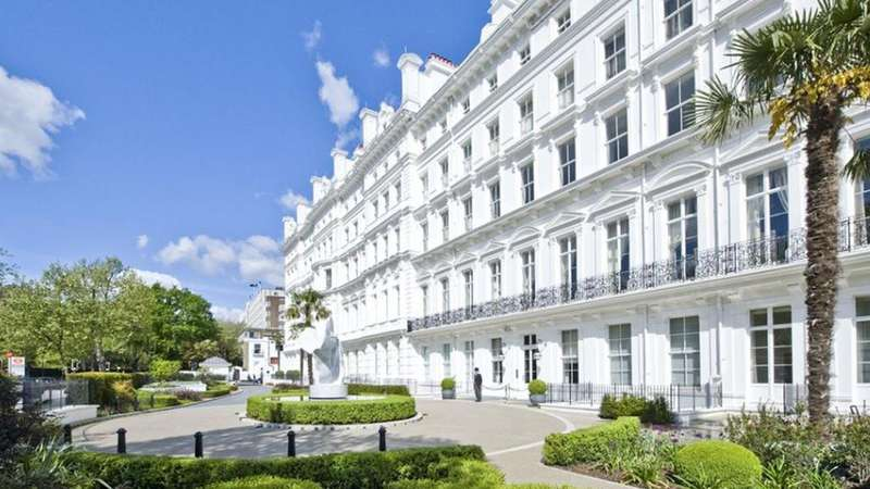 3 Bedrooms Flat for sale in Lancaster Gate, London. W2