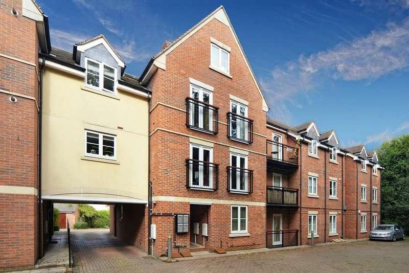 2 Bedrooms Flat for sale in Heritage Court, Kenilworth, Kenilworth