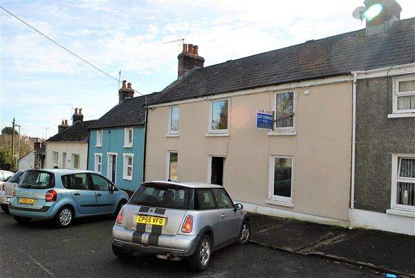 2 Bedrooms Terraced House for sale in Church Terrace, Pembroke