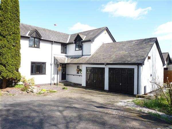 3 Bedrooms Detached House for sale in Walton Green, Walton le Dale, Preston