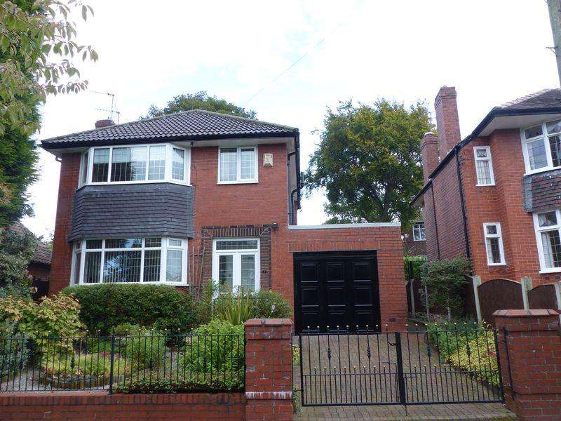 3 Bedrooms Detached House for sale in Middlegate, Garden Suburbs, Oldham