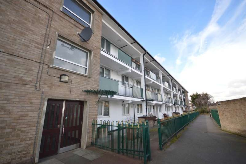 1 Bedroom Flat for sale in Becton Place, Erith, DA8