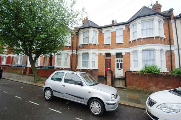 2 Bedrooms Flat for sale in Pine Road, Cricklewood, London