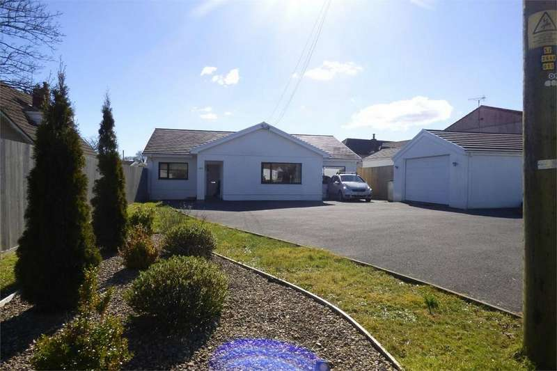 4 Bedrooms Detached Bungalow for sale in Oakdale, Mwrwg Road, Llangennech, Carmarthenshire