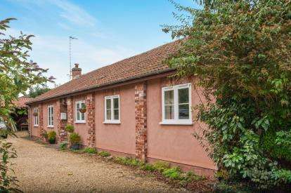 4 Bedrooms Barn Conversion Character Property for sale in Crispin Lane, Thornbury, South Gloucestershire, Thornbury
