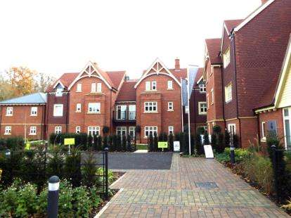 2 Bedrooms Flat for sale in Saxby Road, Bishops Waltham