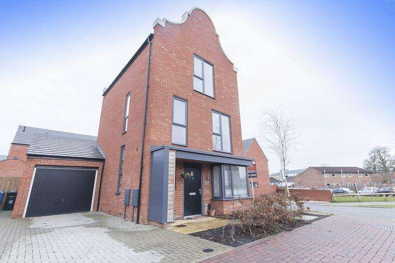 4 Bedrooms Detached House for sale in PRINCE GEORGE DRIVE, MANOR KINGSWAY