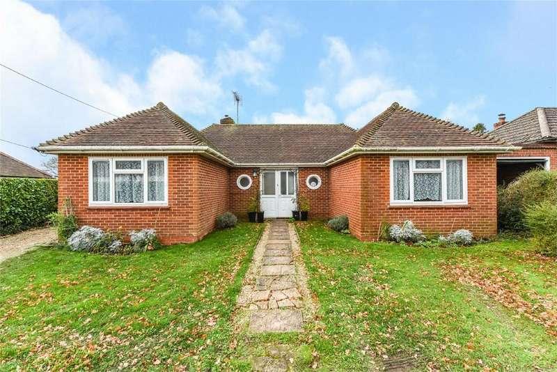 3 Bedrooms Detached Bungalow for sale in Anstey Lane, ALTON, Hampshire