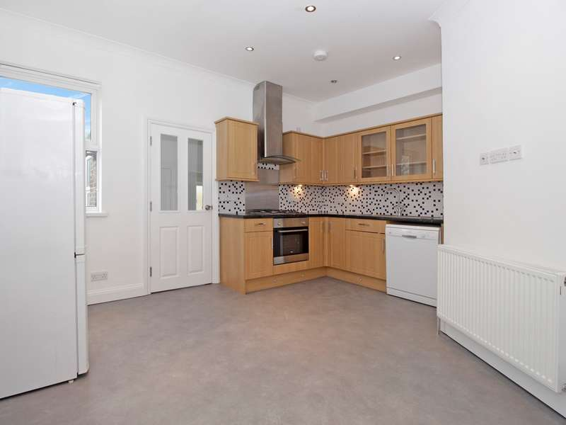 2 Bedrooms Flat for sale in Worbeck Road, London, SE20