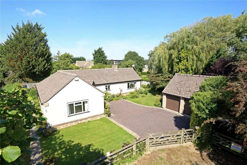 3 Bedrooms Detached Bungalow for sale in New Barn Lane, Cheltenham, Gloucestershire, GL52