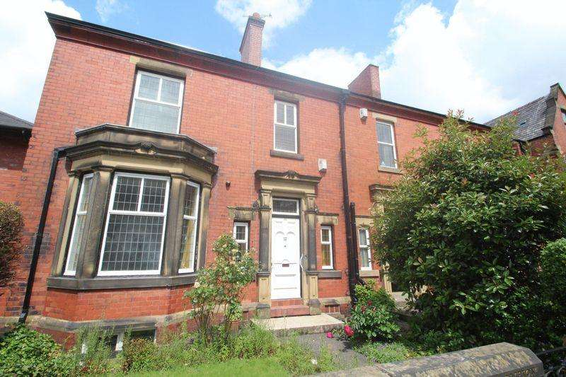 4 Bedrooms Unique Property for sale in Bury Road, Rochdale OL11 4EB