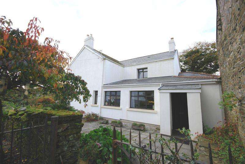 4 Bedrooms Farm House Character Property for sale in Brynglas Farm, Pontardawe, Swansea, SA8 4TR