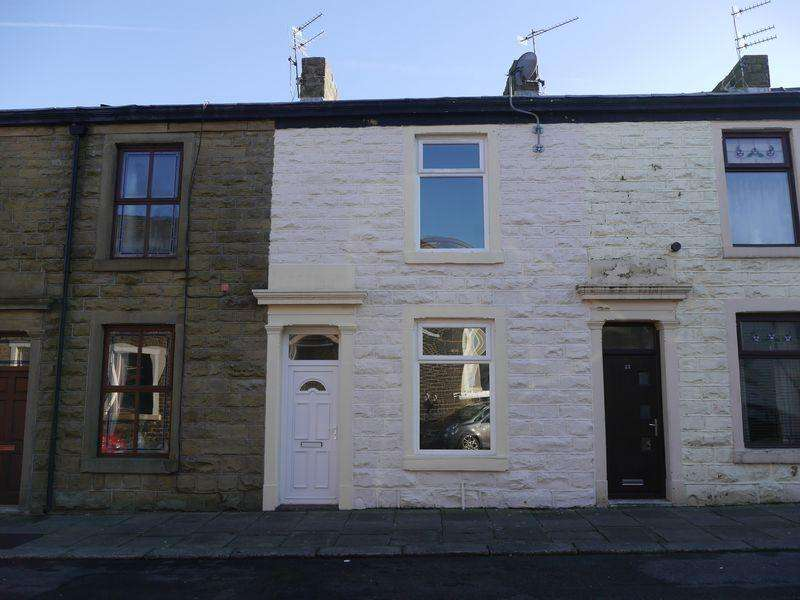 3 Bedrooms Terraced House for sale in Victor Street, Accrington