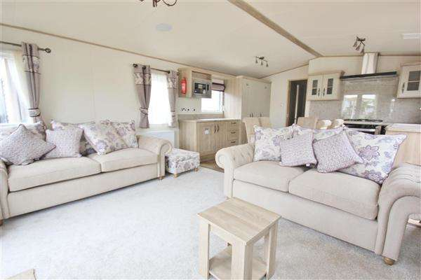 2 Bedrooms Bungalow for sale in ABI Beaumont, Rockley Park, Napier Road, Poole